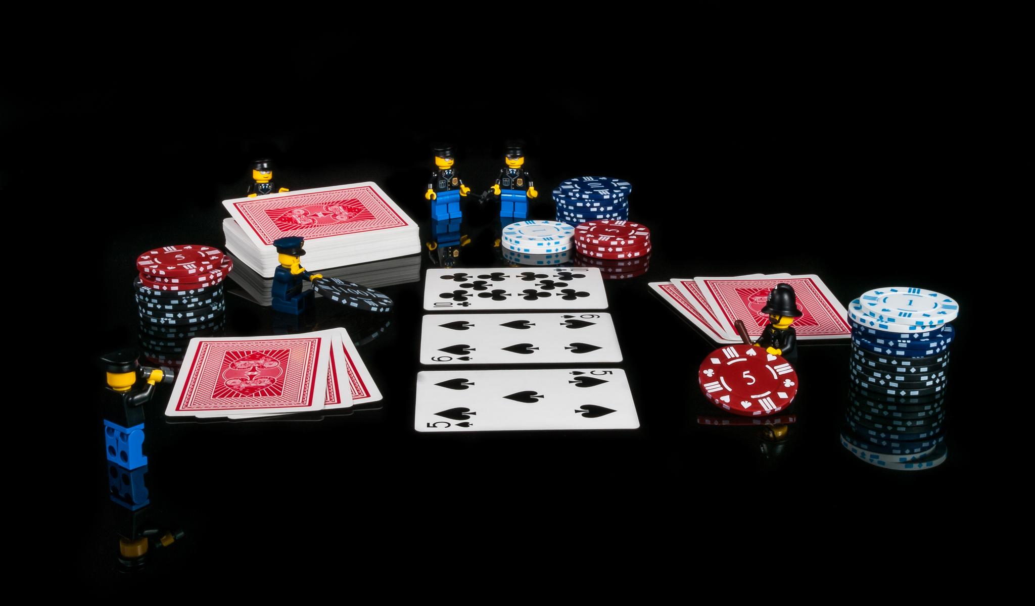 pokeris su lego žmogeliukais