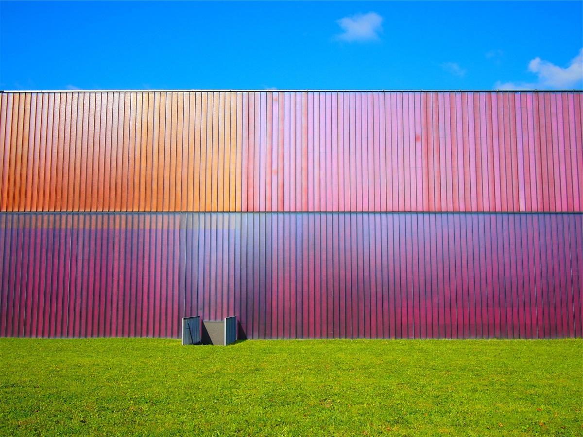 spalvota dviguba siena